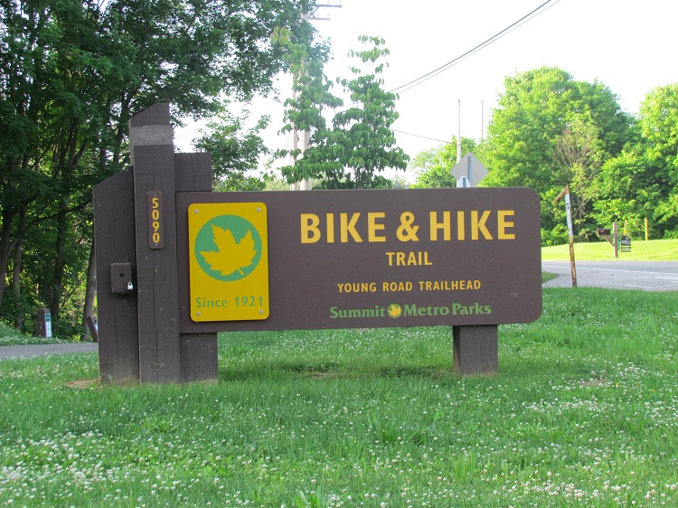 Summit Bike And Hike Trail Young Road Wetlands Birding In Ohio